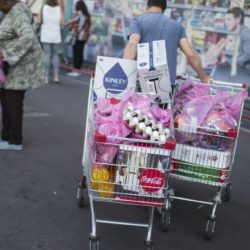 Israeli Supermarket Shoppers Turn Green In Droves